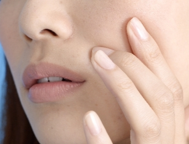 たるみ毛穴の原因と改善方法